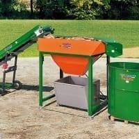 Posch Brennholzproduktion Brennholz Reinigung Scheibensieb und Verpackung