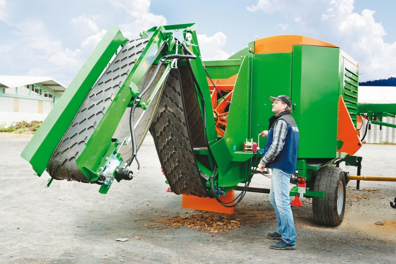Brennholz Förderband klappbar für den Transport. Knickförderband zu mobilem Sägespalter