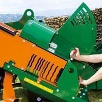 neue Brennholzsäge mit patentiertem Längsanschlag