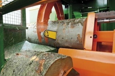 Posch, Sägespaltautomat, Sägeeinheit mit Harvester-Kettensägeaggregat bis Holzdurchmesser 65 cm