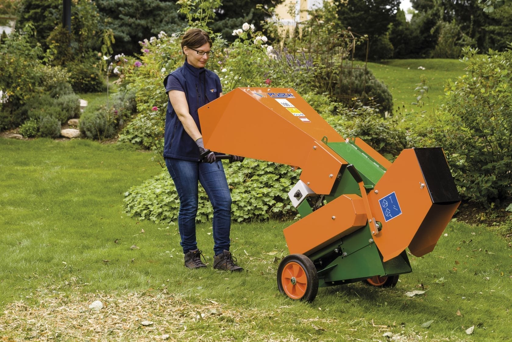 Garden shredder compost hand-geared trolley