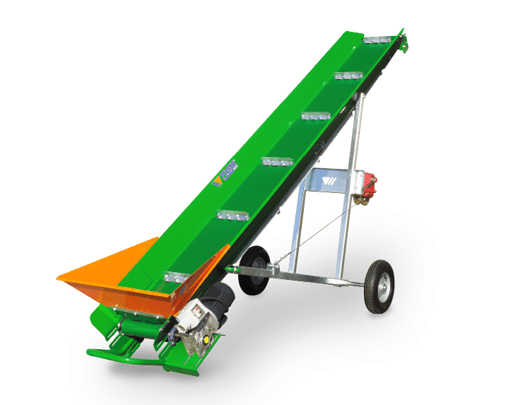 Conveyor belt. Versatile with pneumatic rubber wheels and tractor drawbar
