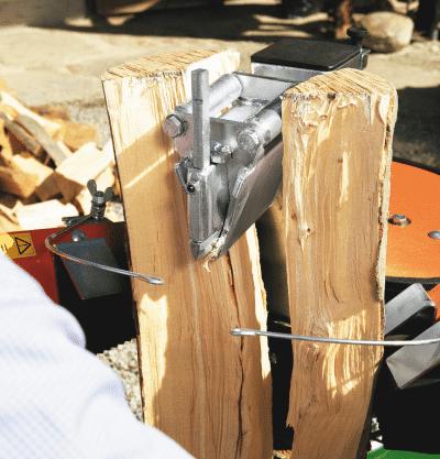 Holzspalter Kurzholzspalter. Rollenmesser für Kurzholzspalter