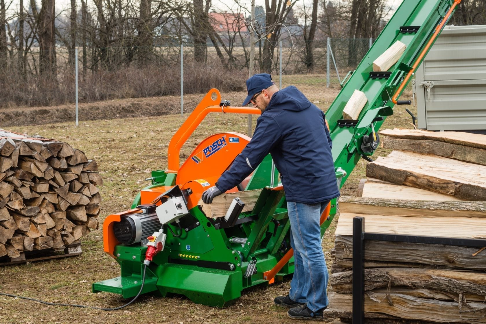 Tilting log saw with conveyor belt, conveyor belt saw, Posch