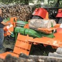 Holzspalter liegend, neue Holzablage und Stammheber für mehr Komfort bei der Holzarbeit, Easy- Spaltkreuz, Posch