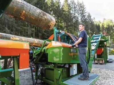 Brennholzautomat in Aktion von Posch