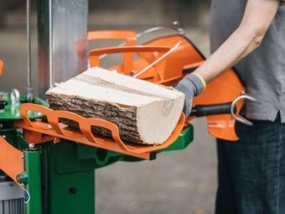 Holzablage bei der Holzarbeit