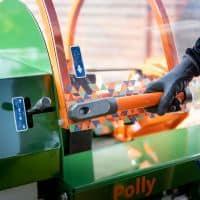 Liegendspalter-Spaltmaschine-Brennholz-spalten-Polly-POSCH-Leibnitz-Aktion-Detail-1-Hand-Bedienung-StefanLeitner-22